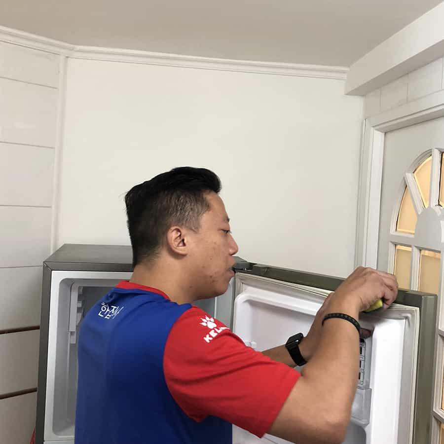 蒸洗及消毒雪櫃